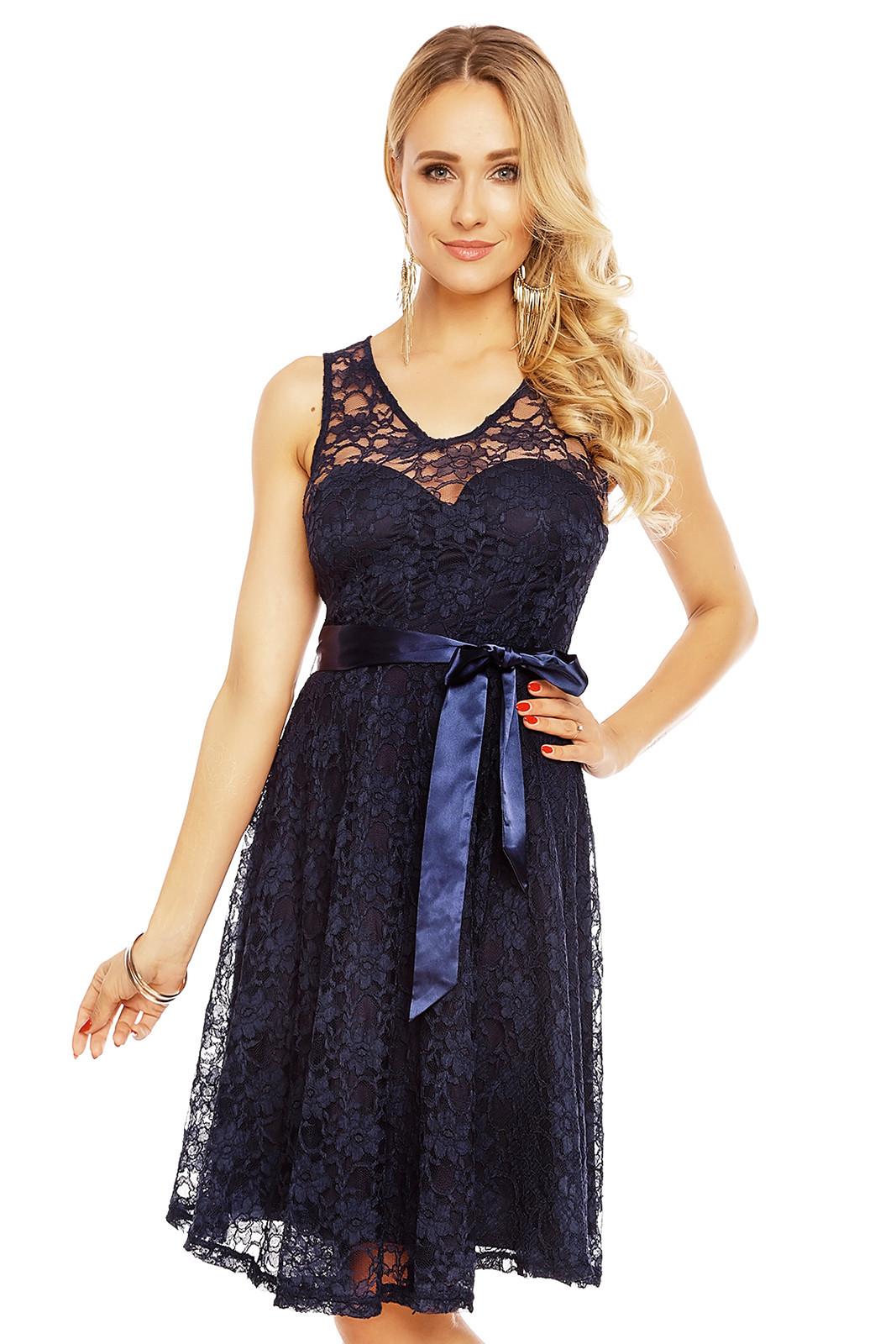 Dámské krajkové šaty na ramínka s páskem středně dlouhé tmavě modrá M