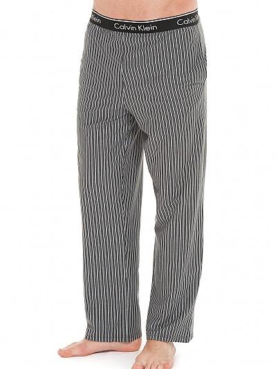 Kalhoty na spaní NM1144E - Calvin Klein Barva: šedá-pruh, Velikost: L