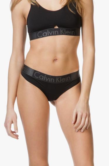 Tanga QF1520E - Calvin Klein Barva: bílá, Velikost: M