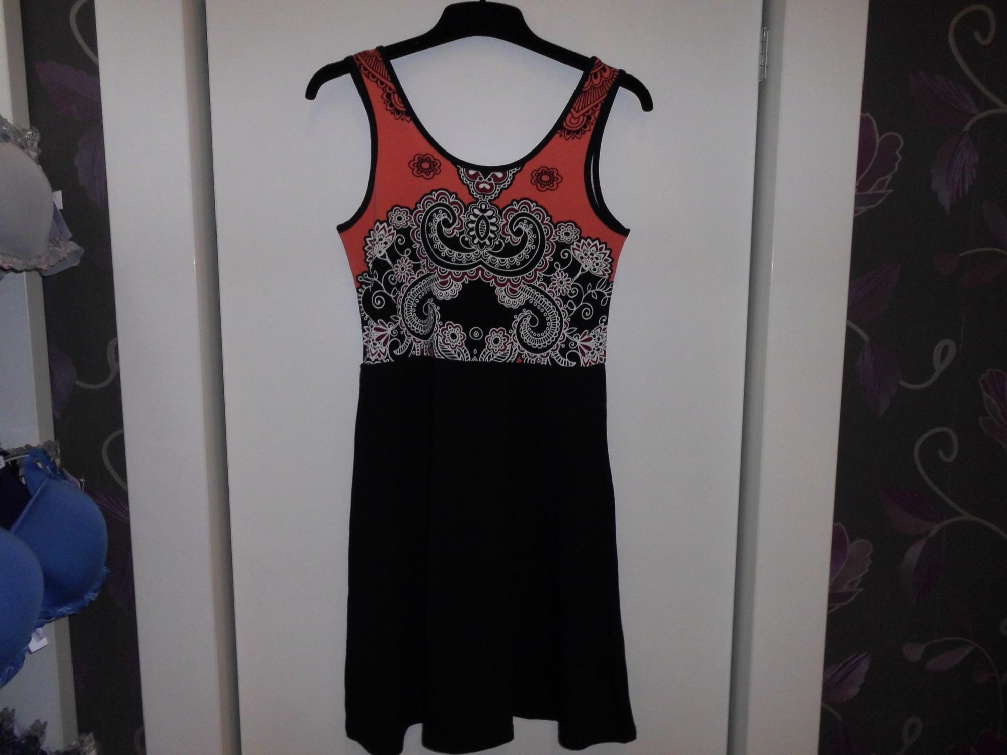 Dámské šaty 3261 -Vamp Barva: černá vzor, Velikost: S