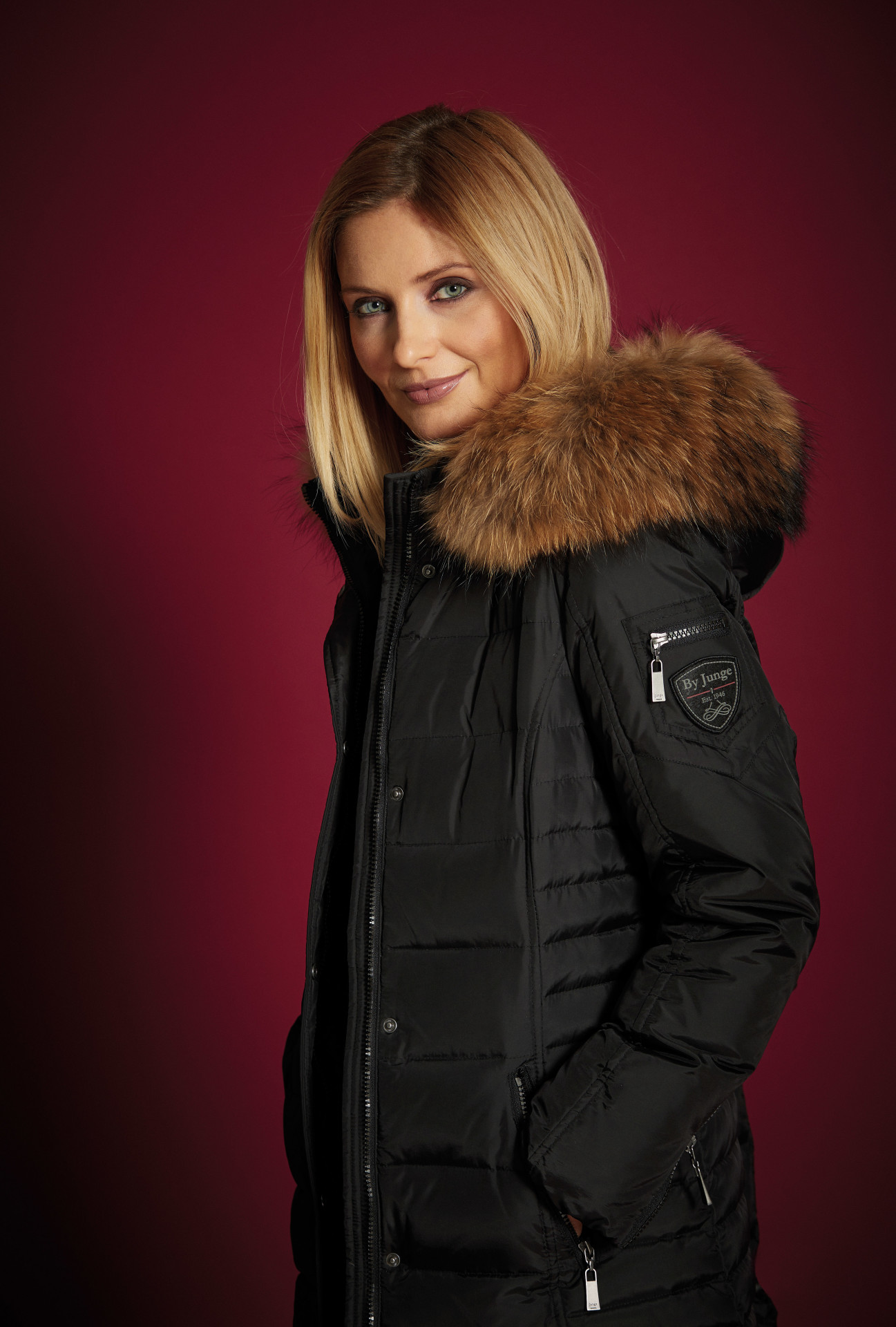 Dámský péřový kabát 2864-65 Junge Barva: černá, Velikost: 48